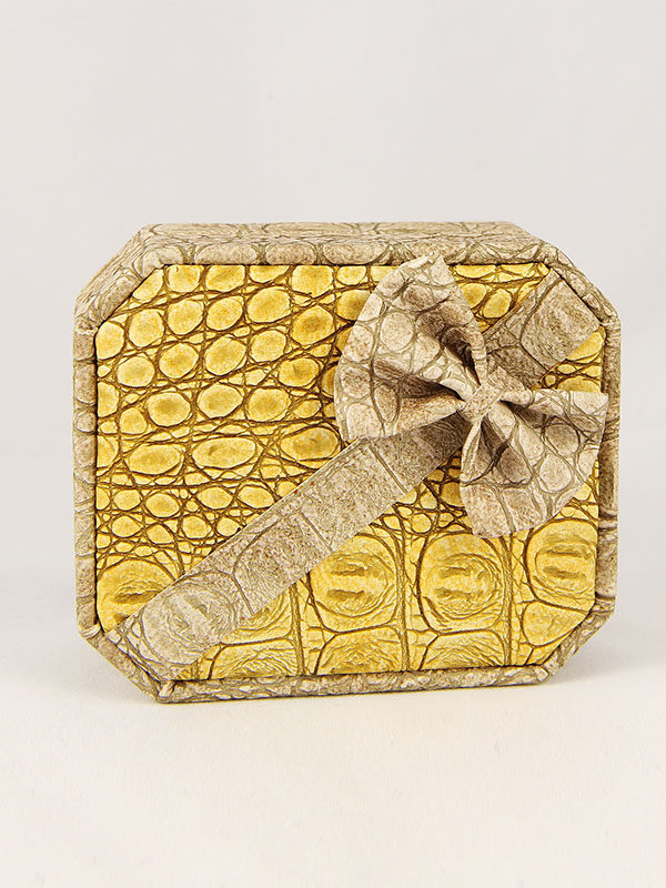 estuche-colgante-cenizas-oro